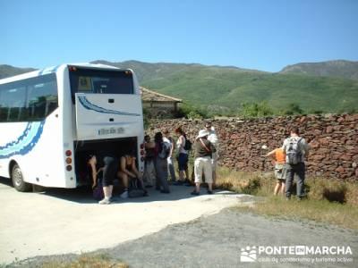 Preparando la marcha en Becerril; puente de la constitución; cultura viajes